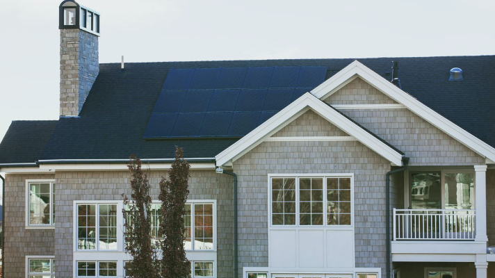 5 Tell-Tale Signs That You Need Solar Panel Maintenance