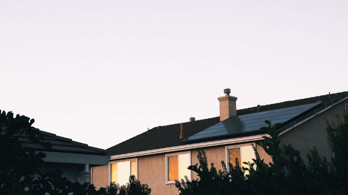 4 Ways Solar Panel Installation Will Help You Save Money