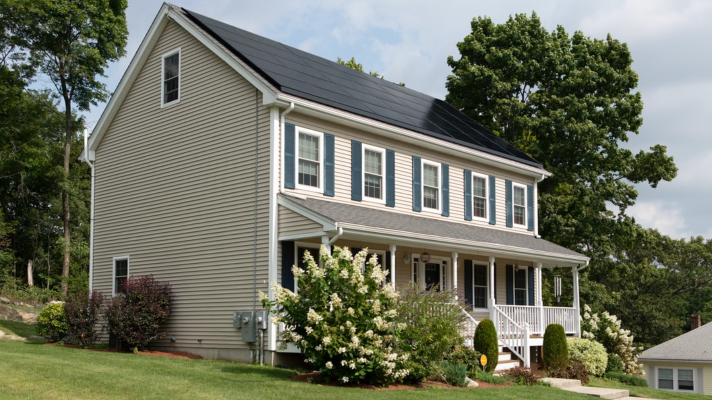 4 Ways Solar Panels are Saving Homeowners Thousands of Dollars